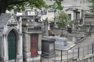 Montmartre-Cemetery-photos